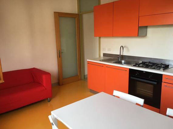Luminoso mini appartamento per specializzandi