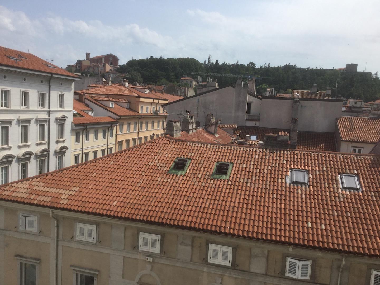 Bilocale Trieste Via San Lazzaro 17, Trieste 1