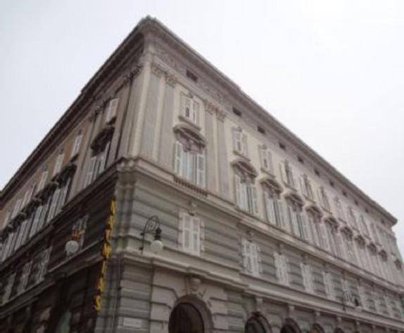 Bilocale Trieste Via San Lazzaro 17, Trieste 2