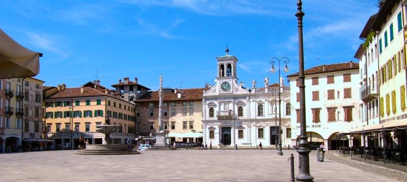 Ville A Schiera In Vendita A Udine